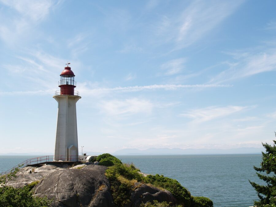 View of the lighthouse and the ocean at Lighthouse Park, one of the best hikes in Vancouver